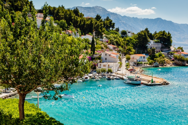 5159870-beautiful-adriatic-bay-and-the-village-near-split-croatia